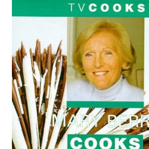 Mary Berry Cooks Cakes (TV Cooks)