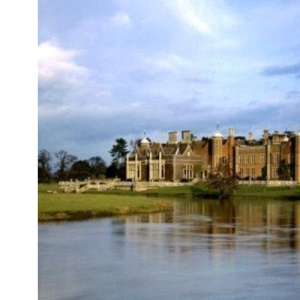 Charlecote Park (National Trust Guidebooks)